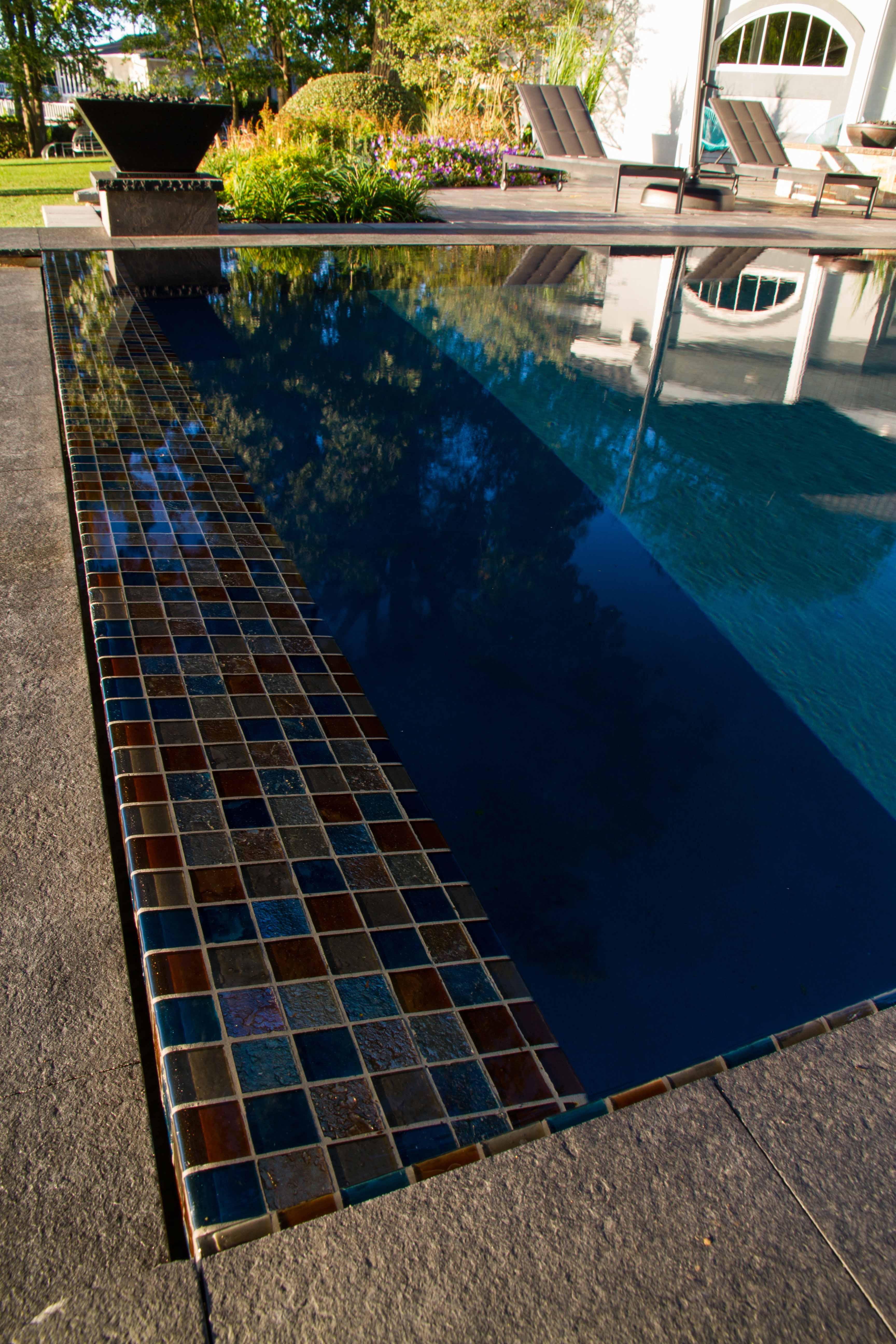 Infinity Pool Detail