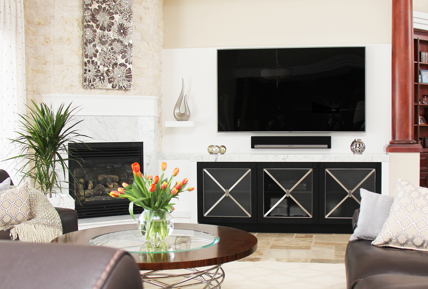 Living Room / Fireplace / Tv Unit